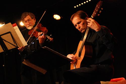 Stimmungsvoller Ausklang mit Ira Wallet und Peter Stary (von links). Foto: Gerhard Schindler