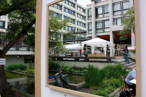 Die Baustelle Kunst liegt direkt im Innenhof des Reutlinger Rathauses. Foto: Gerhard Schindler