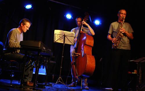 Jazz-Ausklang mit Joachim Scheu, Cornelius Schwarz und Andreas Rudolph (von links). Foto: Gerhard Schindler