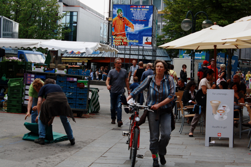 Marktplatz Reutlingen am Samstag um 14.30 Uhr. Foto: Gerhard Schindler