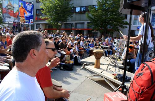 ... und der Reutlinger Marktplatz bebt. Foto: Gerhard Schindler