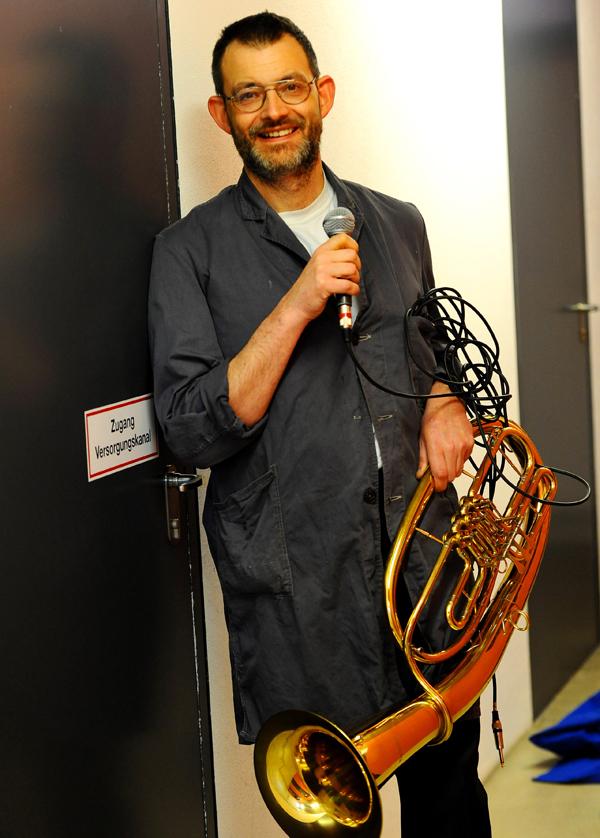 """Herr Paschulke und sein Tanzorchester aus Dortmund spielen bei """"Musik in der Stadt."""" (Foto: Oskar Neubauer)"""