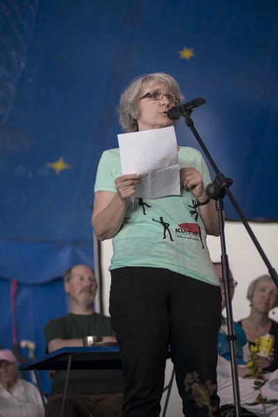 Begrüßung von Festival-Leiterin Rosemarie Henes (BAFF). [Foto: Katharina Meier]