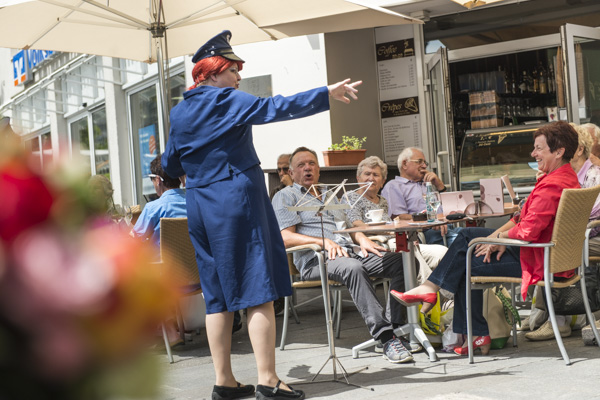 Süße Politessen vom Blaumeier-Atelier. [Foto: Alexander Müller]