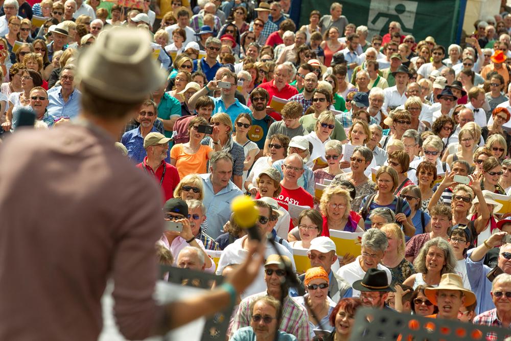 So viele Menschen wie möglich sollen mitsingen (wie hier beim deutschen Chorfest 2016 in Stuttgart). (Foto: Leif Piechowski)
