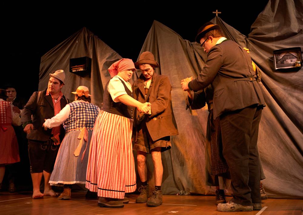 """""""Muuuh!"""" von Theater Brût aus Passau. (Foto: Rudolf Klaffenböck)"""