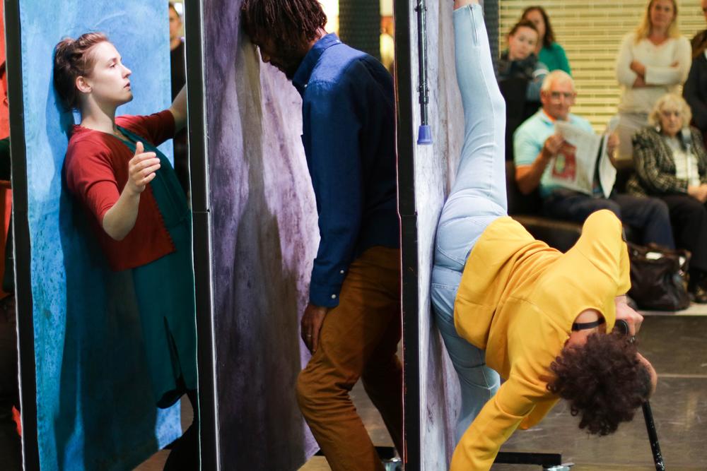 """""""Elevator"""" von Hijinx Theatre. (Foto: Jonathan Dunn)"""