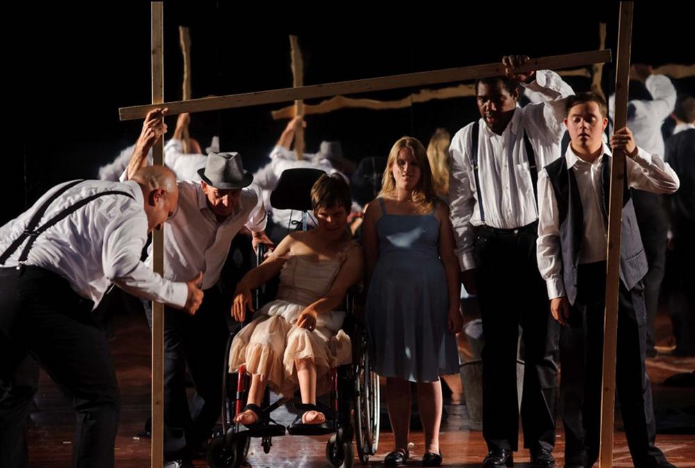 """""""Personaggi"""" vom Teatro La Ribalta aus Bozen. (Foto: Patrizia Chiatti)"""